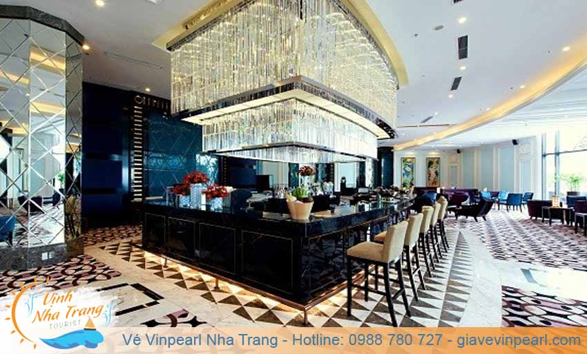 nha-hang-vinpearl-golf-land-lobby-bar
